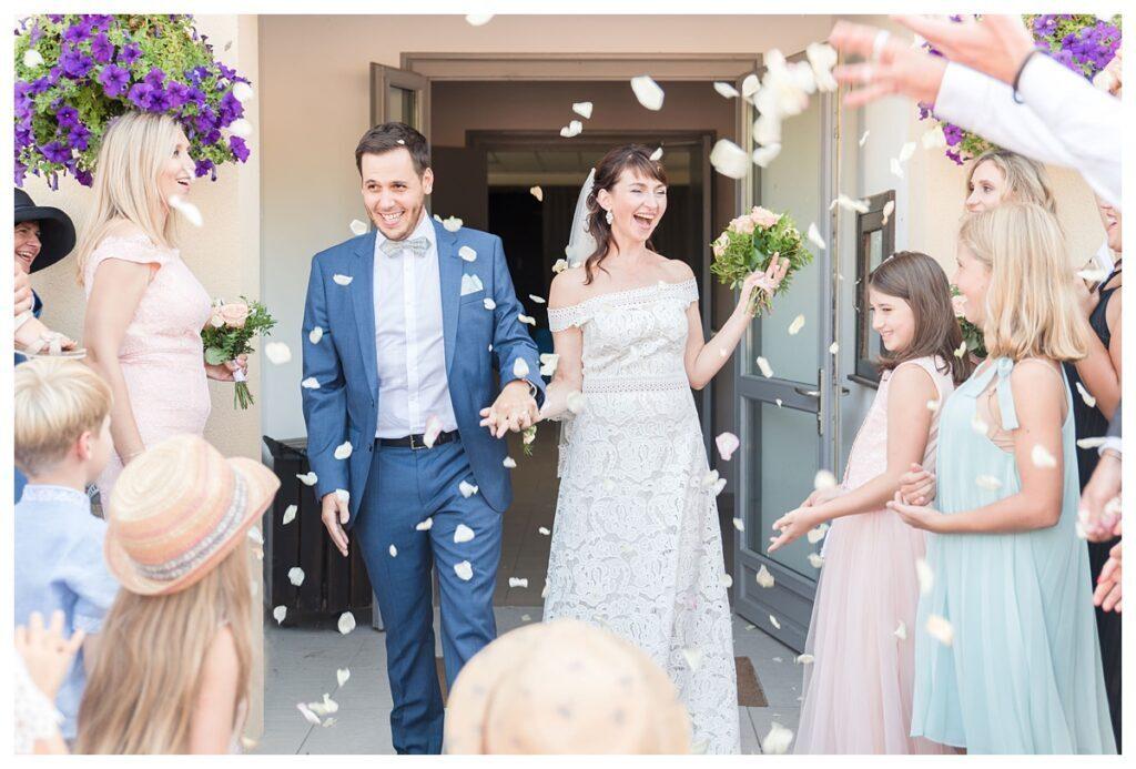 Pétales de rose mariage