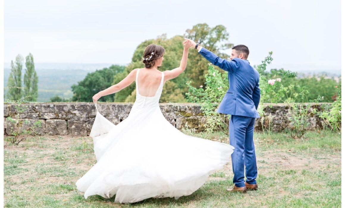 Le marié fait danser la mariée